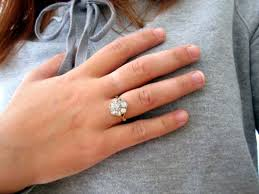 wedding rings on right engagement rings reviews and buying - Engagement Ring Right
