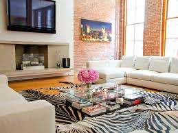 How To Decorate A Large Wall by Fascinating Interior For Decorating A Large Wall With Adiy Decor