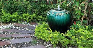 fontane per giardini fontana da giardino con materiali di riciclo greenstyle