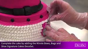 How To Decorate Shoes How To Decorate Minnie Mouse Bags Bows U0026 Shoes Signature Cake