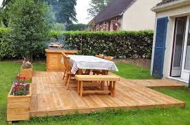 Pallet Furniture Patio - bbq feasting deck made of pallets diy