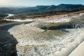 photos oroville dam spillway trouble and evacuation the