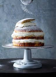 carrot cake with cream cheese swiss meringue buttercream cakes
