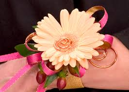 Prom Wrist Corsage Ideas The Flower Lover U0027s Club Diy Floral Design Resource
