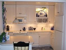 cheap kitchen decorating ideas for apartments small kitchen space condo decorating ideas on a budget