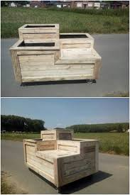 amazing uses for old wooden pallets recycled things