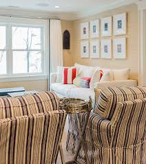 Classic Family Home With Coastal Interiors Home Bunch  Interior - Wallpaper for family room
