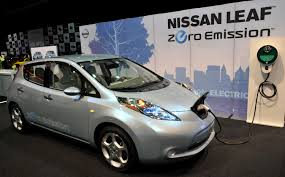 nissan leaf pros and cons electric car shopping guide what to consider before buying an