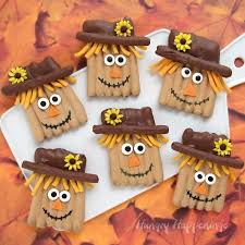 thanksgiving treats chocolate pretzel scarecrows
