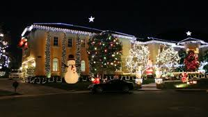 christmas light show los angeles britney spears bedazzles calif mansion with christmas lights