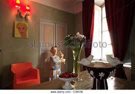 chambre d h es vaucluse chambre de sejour avec vue stock photos chambre de sejour avec