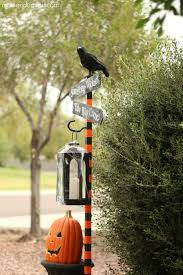 Diy Halloween Yard Decorations Diy Halloween Spooky Lantern Sign Post