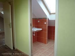 salle de bain dans chambre sous comble envie d un salle de bain supplémentaire sous les combles