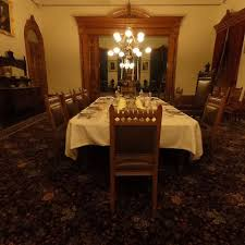 take a 360 degree tour of iolani palace with new led lighting feast your eyes on this 360 degree view of the dining room at iolani palace