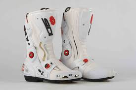 motor racing footwear mcn biking britain survey top 10 most comfortable racing boots mcn