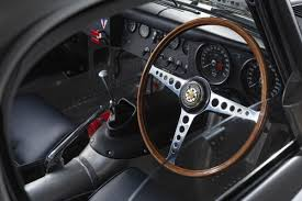 mobil balap f1 50 years old but brand new the return of the lightweight e type