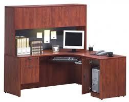 bureau en l bureau en l avec caisson armoire à ordinateur et huche