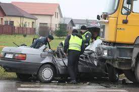 volkswagen 412 kraupi avarija marijampolėje susidūrus sunkvežimiui ir u201evw passat
