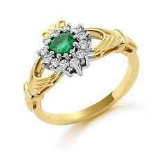 claddagh rings emerald and diamond claddagh ring in 18 kt gold claddagh jewellers