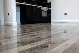 cleaning laminate floors on high gloss laminate flooring