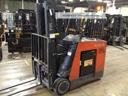 2005 toyota 7bncu25 5000 lb capacity stand up electric forklift