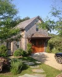 Nantucket Cottages For Rent by Whirligig Barn U0027 Dining Al Fresco In A Nantucket Garden Living