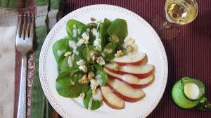 serve green salad with pear dressing for thanksgiving food and