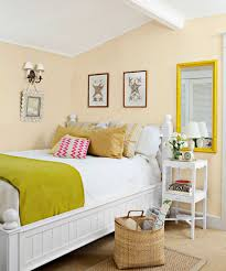 ideas to make a small room look bigger colour combination for