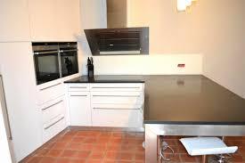 cuisine blanche avec plan de travail noir cuisine blanche plan de travail gris fresh cuisine blanche plan de