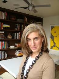 how to grow in gray hair with highlights elizabeth kubany growing out her gray hair through the use of