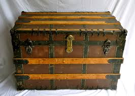 antique trunk chichomeantiquesblog
