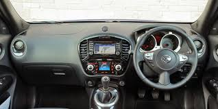 nissan juke interior 2014 nissan juke interior practicality and infotainment carwow