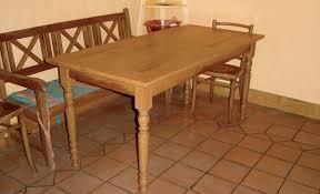 fabriquer table cuisine fabriquer sa table de cuisine une en bois massif maison design sibfa