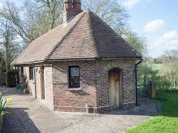 tudor bungalow a country cottage in an estate tudor view is a spacious self