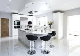 cuisine sol blanc carrelage cuisine blanc carrelage sol blanc mur d ardoise