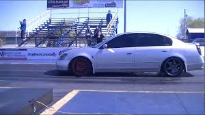 nissan altima modified modified 04 nissan maxima vs modified 02 nissan altima youtube