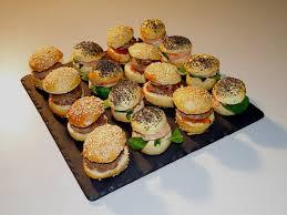canap sal froids plateau de mini burgers 12 pièces honoré festif