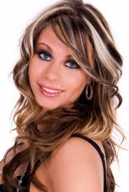 brunette hairstyle with lots of hilights for over 50 red hair color hair color blonde and brown highlights hairstyle