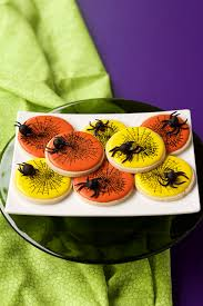 how to make fun fondant spiders for halloween the bearfoot baker