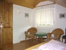 Schlafzimmer Einrichten Mit Kinderbett Lage Einrichtung