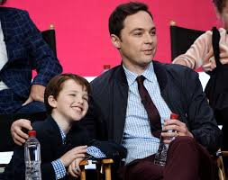 Jim Parsons Home by Jim Parsons Gushes Over U0027young Sheldon U0027 Star And The Pics Are