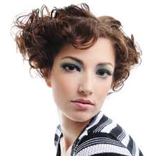 hairstyles for women with small faces min hairstyles for hairstyle for small face trendy short