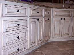glaze finish kitchen cabinets how to paint cabinets secrets from a professional all the tips