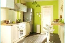 cuisine en longueur am駭agement amenagement cuisine ouverte et pite cuisine grand la longueur