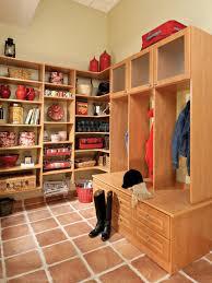delighting organized mudroom and decor ideas decorating segomego