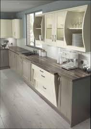 exemple de cuisine repeinte modele de cuisine en bois cheap exceptional modele placard de