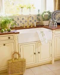 Country Kitchen Sink Ideas 25 Best Cast Iron Farmhouse Sink Ideas On Pinterest Cast Iron