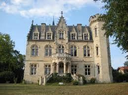 chambre d hote chateau bordeaux magnifique château en position dominante sur la garonne à 50 minutes
