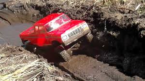 1979 Ford Truck Mudding - rc scale ford f 150 supercab mudding youtube
