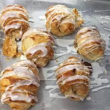 cuisine de lorraine croissants aux amandes almond croissants picture of duc de